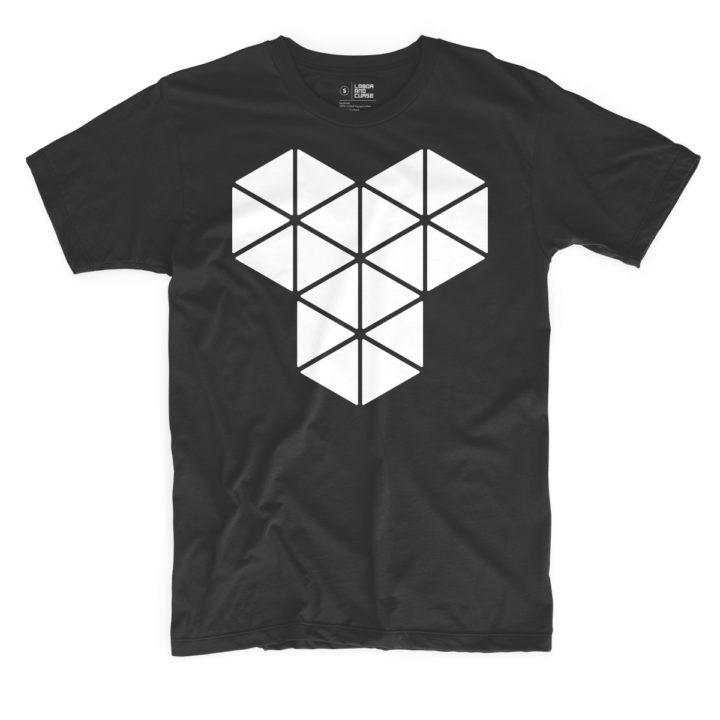 triangle type black shirt